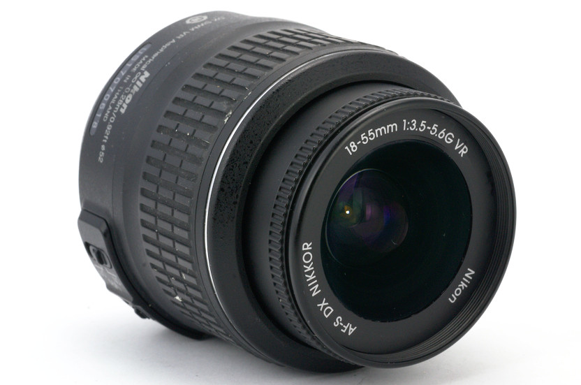 Объектив Nikon DX AF-S Nikkor 18-55mm 3.5-5.6G VR