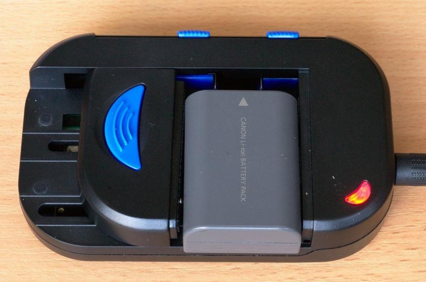 зарядное устройство для телефонного аккумулятора универсальное какие банки дают автокредит с 18 лет