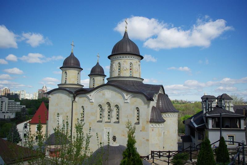 Архангело-Михайловский Зверинецкий монастырь. Фотопутешествие