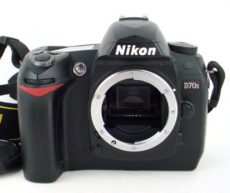 Фотоаппарат Nikon D70s. Обзор и примеры фото