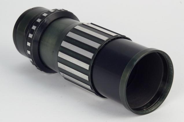 Фокусировочный геликоид для установки объективов большого формата на среднеформатные и малоформатные фотоаппараты