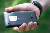телефон Microsoft Lumia E640